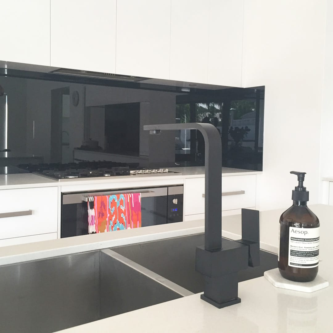 meir kitchen black matte sink mixertap 02