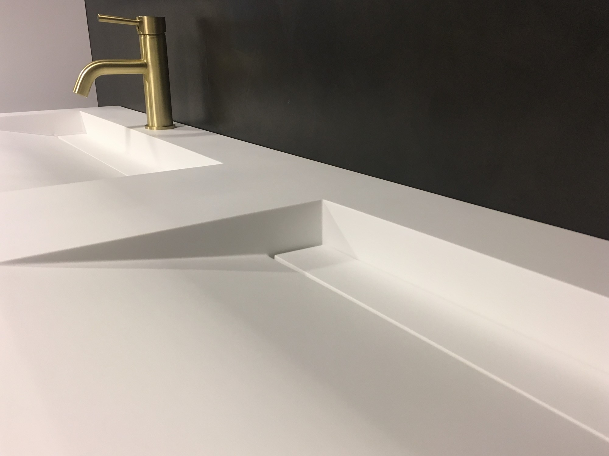 Solid Surface Wastafel : Solid surface wastafel solid cascate